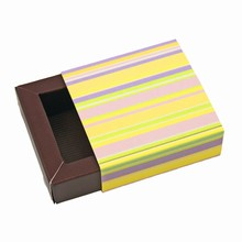 E1ray�b Glossy Stripes Sleevebox for 1 Chocolate Java base