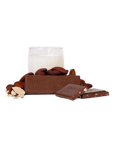 Tablette de chocolat au lait cr�meux � 38 % et amandes r�ties - Theobroma Chocolat